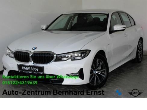 BMW 330e Sport Line Automatik