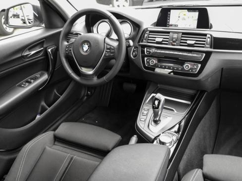BMW 118i Sport Line 1er Dienstwagen